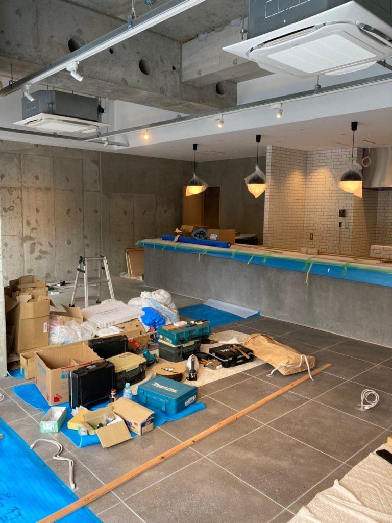 京都駅前カフェ店舗工事 現在進行中